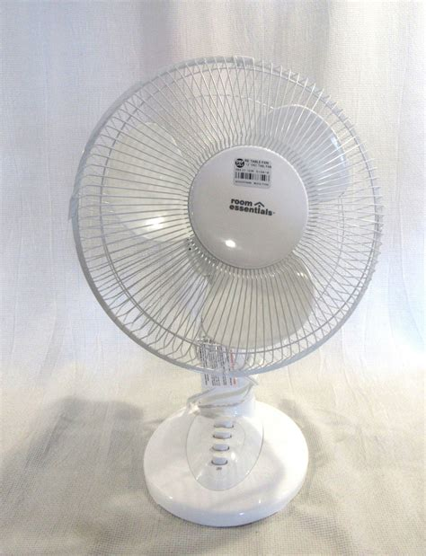 Room Essentials Desk Fan by Room Essentials 12 Quot Oscillating Table Fan White Model F