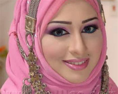 wanita yang paling cantik adalah wanita yang tidak sedar akan masyahallah inilah 8 wanita cantik islam yang paling kaya