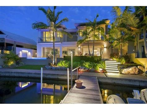 Extreme Luxury Our Pick Of Lavish Dream Homes Luxury Homes Noosa