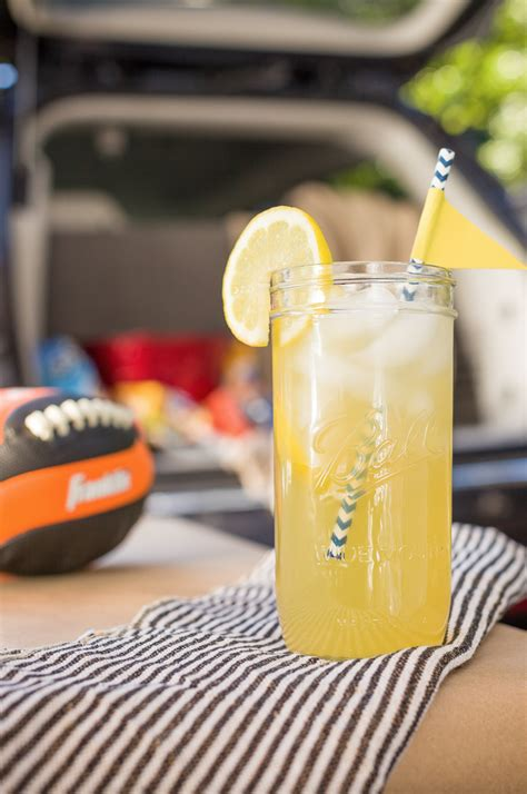 best college drinks 13 easy tailgate cocktails best drink recipes for