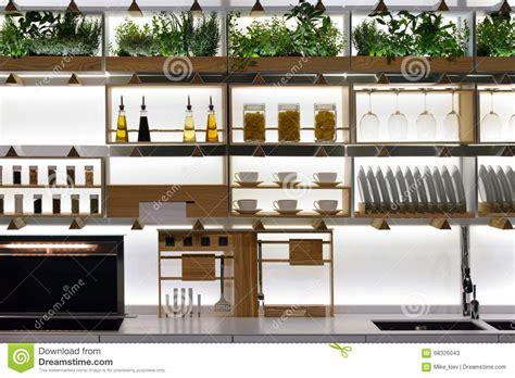 scaffali cucina scaffali della cucina fotografia stock immagine 68326043