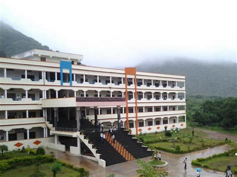 Mba Courses Related To Civil Engineering by Vikas College Of Engineering And Technology Vijayawada