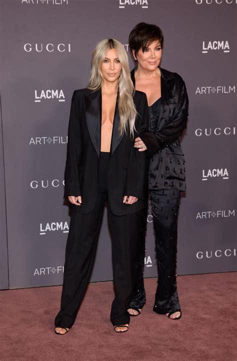 kim kardashian con un vestido de gucci morado y naranja los kim kardashian vuelve a elegir un traje sin sujetador en