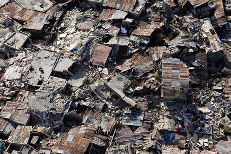 earthquake boston haiti 48 hours later photos the big picture boston com