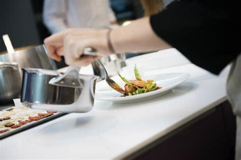 dressage des plats en cuisine cooking classes alain ducasse at l eclaireur