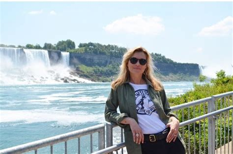 Niagara Falls Marriage Records Kate Moss Fuels Marriage Split Claims As Rumours Emerge She S Joined On