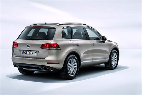volkswagen touareg 2011 new 2011 vw touareg gets hybrid autotribute