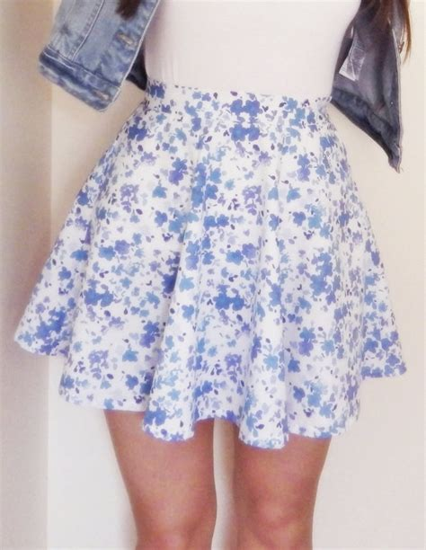 cute patterned mini skirt floral print skater skirt blue mini skirt floral print
