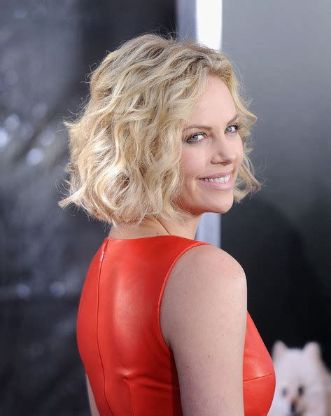 Whats Lipstick The Scoop On Charlize And Katharines Shades by More Pics Of Charlize Theron Bob 10 Of 16