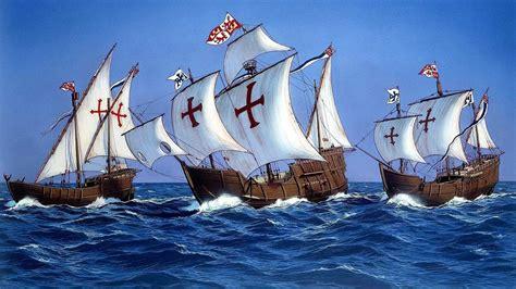 cuantos eran los barcos de cristobal colon de que color era el barco en el q crist 243 bal col 243 n