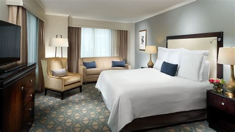 new orleans hotel rooms new orleans accommodations omni riverfront hotel rooms