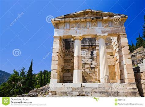 imagenes antiguas grecia ruinas de la ciudad antigua delphi grecia imagen de