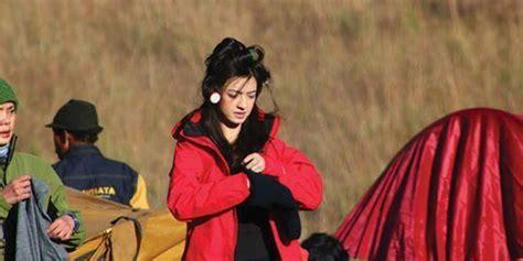 Yunita Make Up Ini Tips Make Up Untuk Mendaki Gunung