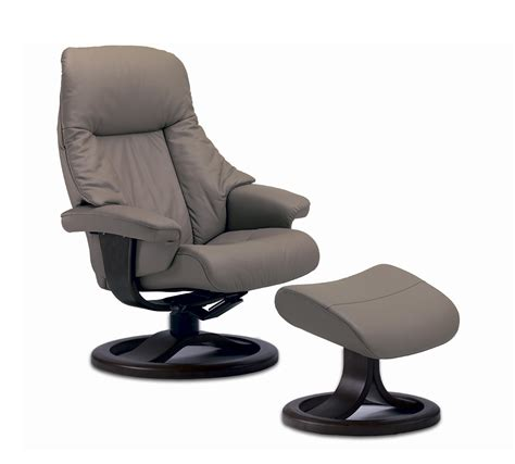 fjords alfa small ergonomic recliner by hjellegjerde