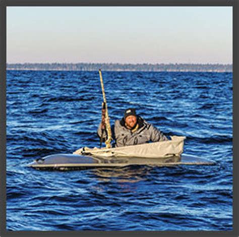 layout boat hunting clothes green bay lake michigan wisconsin duck hunting guide