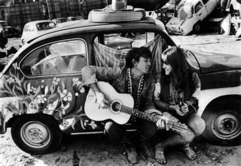 immagini hippy figli dei fiori al city coffee drink moxie flower power