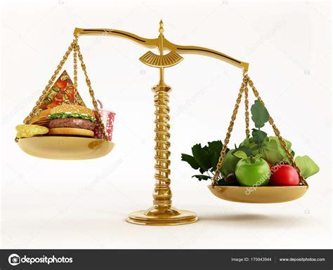 balanza alimentacion saludable comida saludable  comida chatarra en las escalas de una
