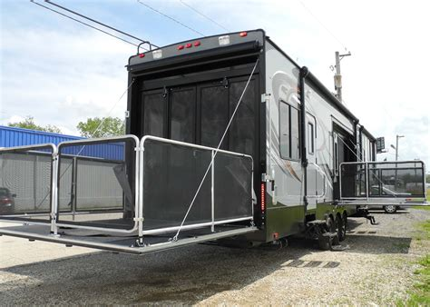 2015 cyclone thor 4200 hauler fifth wheel rv r door