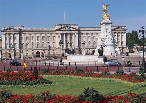 the best places in buckingham palace big five of the best places to visit while in