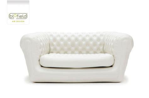 fauteuil deux places le mobilier gonflable qu il vous faut pour meubler votre jardin
