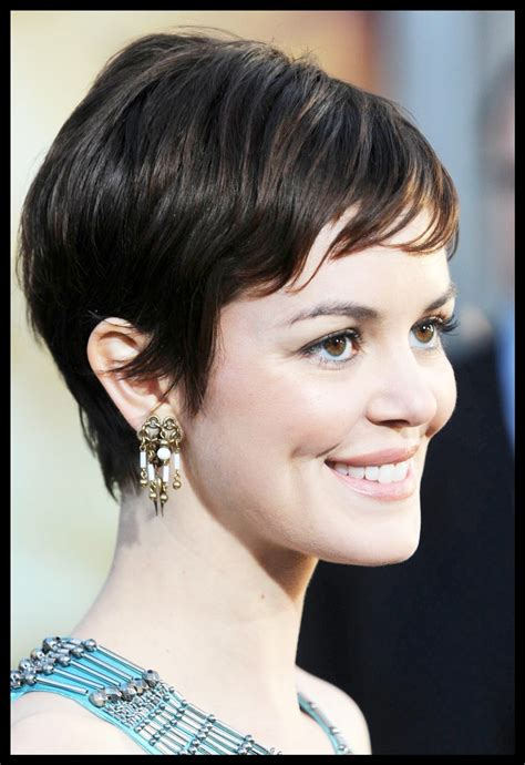 short curly hairstyles   square face