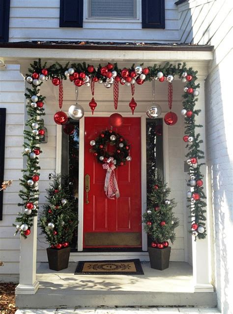 christmas decorating outdoor columns 25 amazing front porch decorating ideas instaloverz
