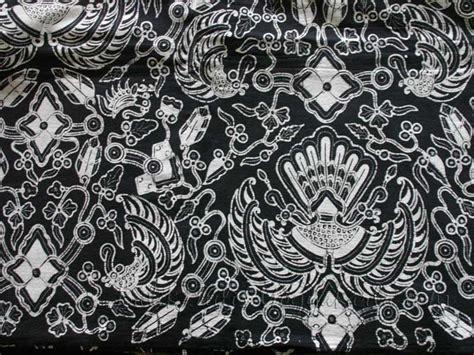 pattern batik hitam putih batik tulis yogyakarta motif sido mukti latar hitam