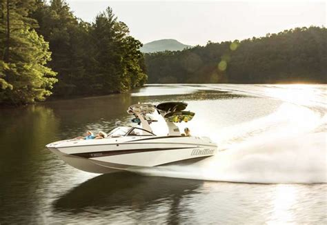 best bay boat ever top 10 coolest looking boats ever boats