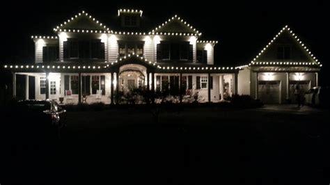 hanging christmas lights on house how to hang christmas lights on a house with siding