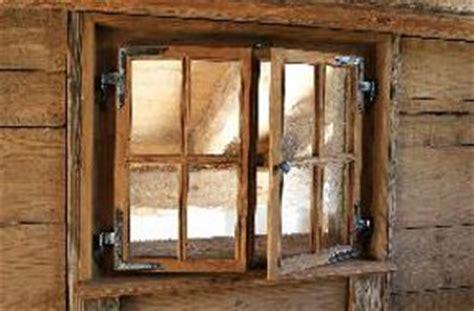 holzfenster deko fenster aus holz gesundes haus