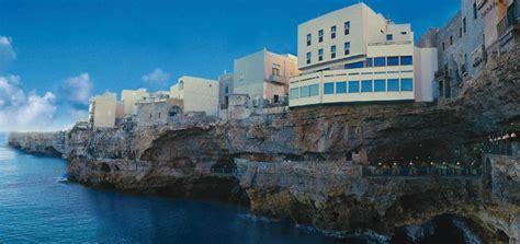 Hotel Ristorante Grotta Palazzese Grotta Palazzese отель на скале и ресторан в пещере