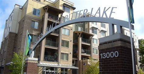 Seattle Appartment by Seattle Apartments The Cambridge At Bitter Lake In