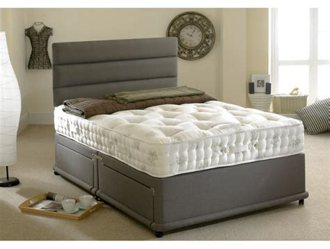 divan beds how to choose the bed from a furniture store in