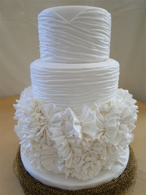 dress cake fancy details the completion of the wedding dress cake