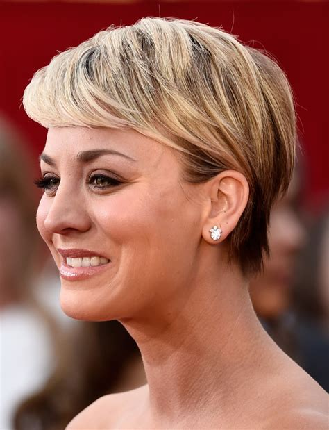 kelly cuoco sweeting new haircut 21st annual screen actors guild awards arrivals