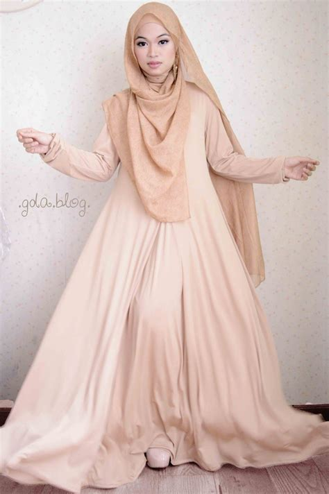Princess Syari Camelia coloured maxi dress with hijabstyle
