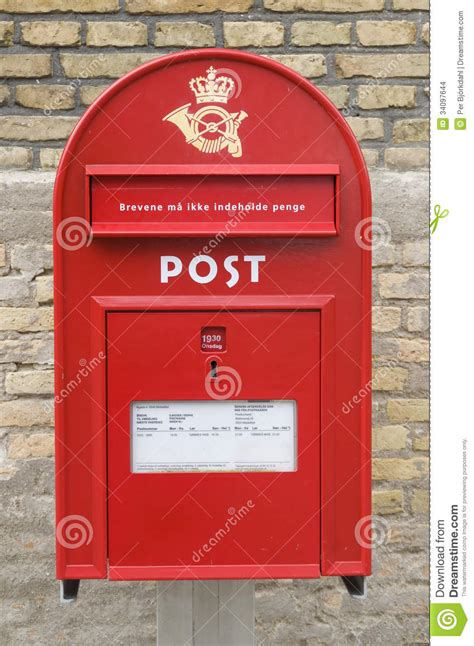 cassetta della posta cassetta della posta danese rossa immagine stock