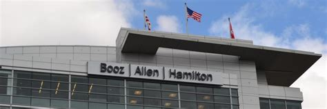 Northern Illinois Mba Ranking by Mba Alumni Spotlight Booz Allen Hamilton Metromba