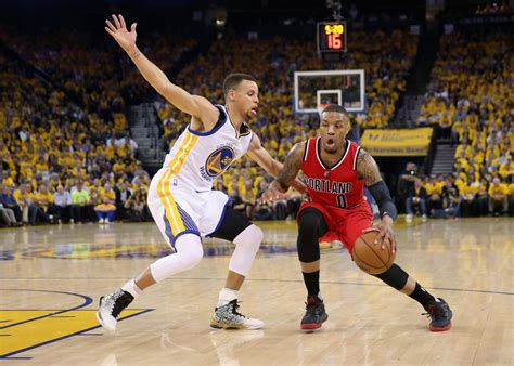 Sale Promo Sepatu Basket 2017 Adidas Dame 4 Black armour s curry two why does stephen curry wear such