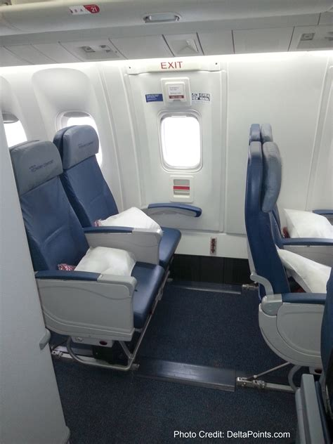 delta international economy comfort delta 767 300 economy comfort seats delta points blog