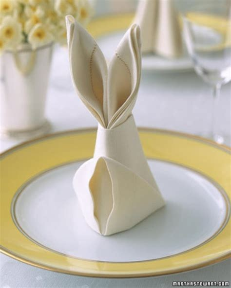 Cool Paper Napkin Folds - cool ways to fold dinner napkins for the home