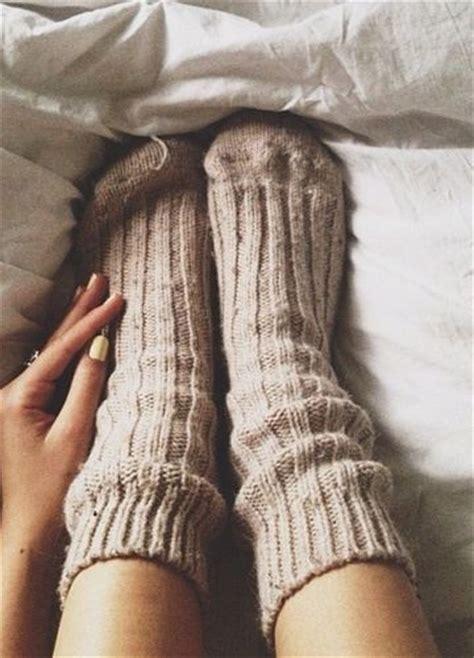 Winter Sock Wool Kaos Kaki Musim Dingin Kaos Kaki Wol cozy socks make us want to snuggle in bed all day winter