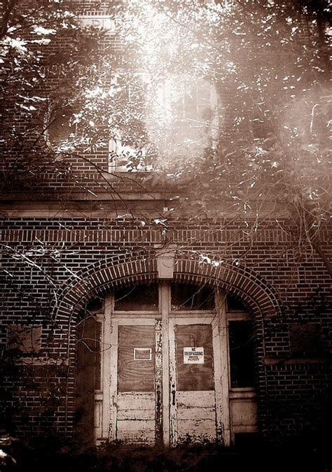 abandoned places to explore 25 best images about abandoned places to visit on