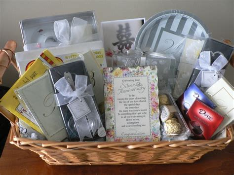 25th wedding anniversary diy gifts 126 best images about gift baskets diy on golf