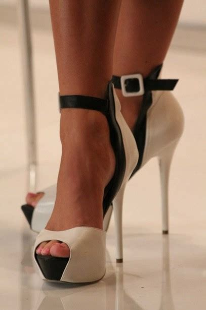 black and white high heels shoes pumps heels bebe white black high heels black