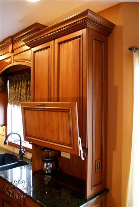 Royal Kitchen Cabinets Royal Cabinet Company Traditional Kitchen In Environmental Friendly Lyptus Wood Traditional