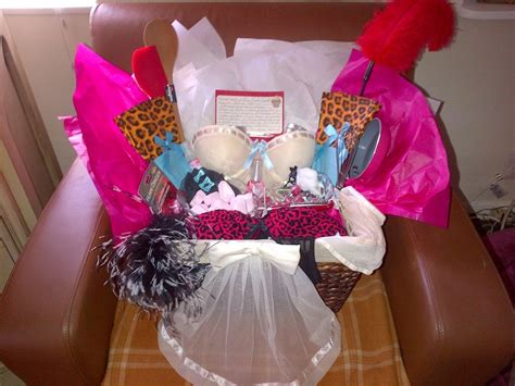 wedding shower gifts for karla cavalli bridal shower gift sweet spicy