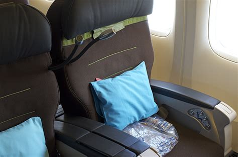 what does airline seat pitch best airlines for legroom in premium economy