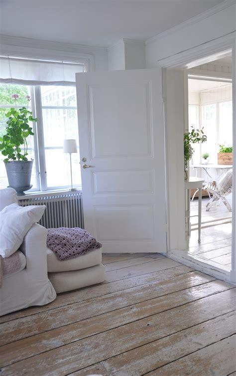 white wash floors on white washed floors