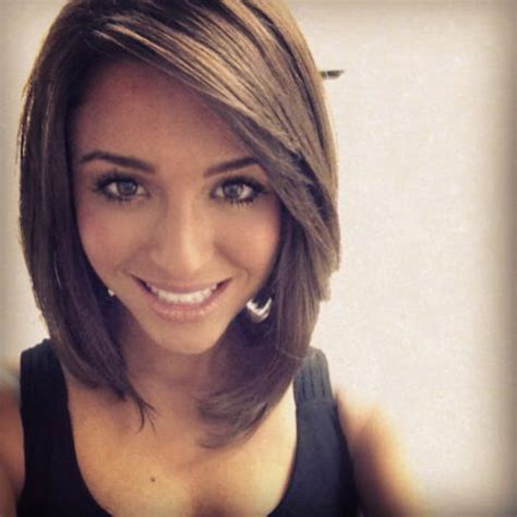 cut sholder lenght hair upside down medium length align inverted bob the way the bangs and